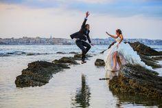 Trash the dress in spiaggia.  Foto di Nunzio Bruno http://www.matrimonio.com/fotografo-matrimonio/nunzio-bruno-fotografo--e9378