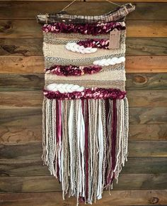 Made in Chile with natural wool and driftwood from Lago Puyehue. It takes me three weeks to do it and three more weeks to arrive. Weaving Textiles, Weaving Art, Tapestry Weaving, Loom Weaving, Hand Weaving, Rug Loom, Weaving Wall Hanging, Boho Wall Hanging, Wall Hangings