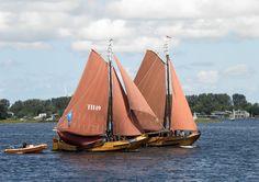 SBH - De Hengst TH 49 (Drie Gebroeders) en de Hengst PI 77 (Den Bruinen) Dutch Barge, Sailboat, Sailing Ships, Outdoor Gear, Design, Sailing Boat, Sailboats, Sailing Yachts