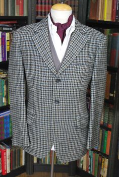 "Blue/ Grey Houndstooth Harris Tweed Jacket, 44-45"" Chest"