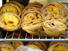 Portuguese Egg Tart, also known as pastel de nata, has crispy and flaky crust with creamy custard on the center. A popular Portugal pastry you must try! Portuguese Custard Tarts, Portuguese Egg Tart, Portuguese Recipes, Natas Recipe, English Food, Tart Recipes, Creme, Food Photography, Easy Meals