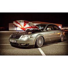 #mulpix // UK 3BG ______________________________________________ /: @chrisfrowde Wheels: @cast13_wheels RB2 ______________________________________________ #passat_dubbing #vw #volkswagen #passat #b55 #3bg #slammed #stance #fitment #camber #tuck #bagged #airride #cast13 #cast13wheels #cast13rb2 #ukpassats ______________________________________________