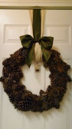 I made this for our front door this winter :)
