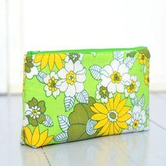 Sminkepung / toalettmappe grønne blomster