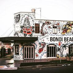 Final shot of my newest piece to my favourite neighbourhood. Thank you so much to and for making this possible - I had so much fun. Photo by Video soon too ✌️ Graffiti Wall, Bondi Beach, South Pacific, Urban Art, Old School, The Neighbourhood, My Arts, Australia, Murals