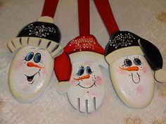 Snowman Spoon Snowman Decor Winter Decor Xmas by VickiesCrafts Painted Spoons, Snowman Decorations, Xmas, Christmas Ornaments, Trending Outfits, Holiday Decor, Unique Jewelry, Winter, Handmade Gifts