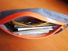 新しい山財布を買った。WANDERLUST EQUIPMENTのTRAIL ZIP WALLET 2。丸3年使ったFREELIGHTの山財布。極めて使い勝...