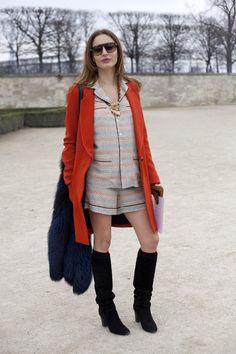 """Pin for Later: Wer sich bequem und stylisch zugleich kleiden möchte, der probiert am besten """"Pyjama-Dressing"""" Pyjama-Dressing Street Style"""
