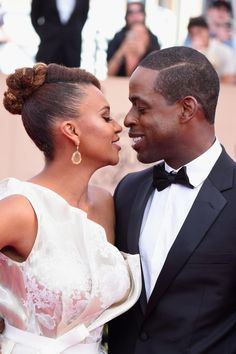 Someone Crown Sterling K. Brown and Ryan Michelle Bathe Award Season King and Queen Black Celebrity Couples, Black Couples, Couples In Love, Sterling K Brown, African American Brides, Black King And Queen, Black Love, Black Man, Movie Magazine