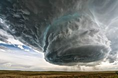 Weather Phenomena on Earth Amazing photos video footage storm clouds supercell rainbow lightning tornado optical phenomenon on sky extreme events Tornados, Thunderstorms, Natural Phenomena, Natural Disasters, Supercell Thunderstorm, Thunderstorm Video, Fuerza Natural, Dame Nature, Wild Weather