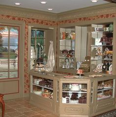 A double room French Patisserie in 1:12 scale by Angelika Oeckl