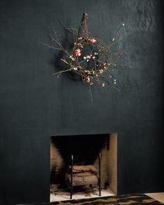 twig wreath + black wall / martha stewart