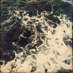 сегодня даже на море осень. гора завернулась в одеяло, облака греют море #tint #tintbyanna #tintsilk #природамойучитель #окрашиваниерастениями #tintinspiration #цианотипия