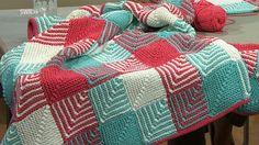 Textildesignerin Tanja Steinbach zeigt, wie Sie Spätsommerliche karierte Plaids in Patchwork-Technik stricken können.