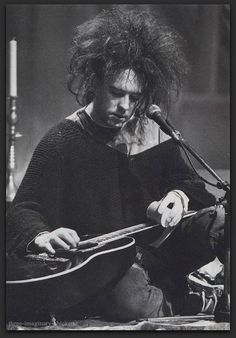 Robert Smith, The Cure - MTV Unplugged 1991