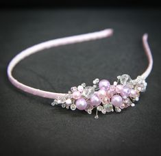 hair bands This crystal beaded hair band is shining when the light catches them. Made with faceted crystals, beads, and glass pearls in very delicate pink colors. This pink pearl headband i Jeweled Headband, Crystal Headband, Pearl Headband, Diy Tiara, Bride Tiara, Natural Hair Accessories, Girls Hair Accessories, Hair Jewelry, Beaded Jewelry