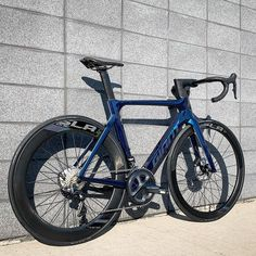 Best Road Bike, Road Bikes, Cafe Racer Bikes, Mountain Biking, Bicycle, Bike Ideas, Wheels, Candy, Paint