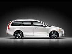 Volvo V50, looks great here in profile.