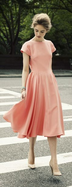 Women's fashion | Pale pink retro dress