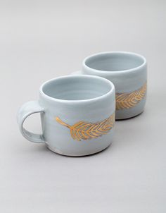 Gold Feather Mug - wolveswithin.com