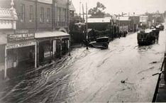 Glenferrie Rd 1922 Melbourne Weather, Melbourne Suburbs, Melbourne Victoria, Victoria Australia, Wall Street, Street View, Roaring Twenties, Melbourne Australia, Back In The Day