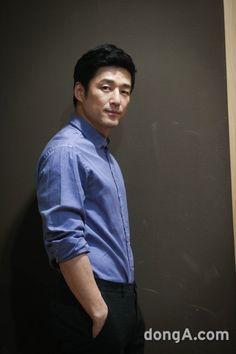 Ji Jin-hee (지진희) - Picture @ HanCinema :: The Korean Movie and Drama Database Asian Men, Korean Actors, Pretty Boys, English Language, Jin, Drama, Lineage, Anime Meme, Guys