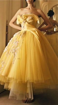 Yellow tulle by Christian Dior Haute Couture - John Galliano