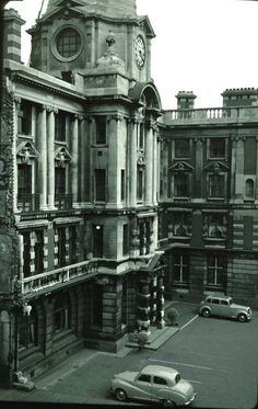Manchester Royal Infirmary. Central Manchester University Hospitals NHS Foundation Trust. The MRI's main building in 1957