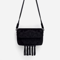 this is the most beautiful bag i've seen in years