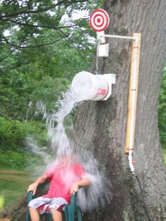 DIY Dunk Tank! How cool is that! Find this and 40+ DIY Summer Activities for Kids here!