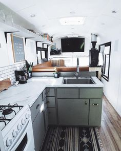 Elegant Tiny House Bus Living Conversion Ideas — Home Design Ideas Bus Living, Tiny House Living, Living Room, Kitchen Living, Living Area, Camper Life, Rv Campers, Bus Life, Bus Motorhome