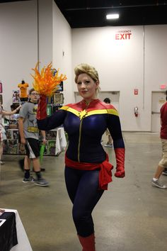 """madamparadox: """" I know I mentioned it on here, but i forgot to post the photos! I met the ever talented and beautiful BelleChere at Boston Comic Con this past weekend! I try hard to be cool then i. Boston Comic Con, Crazy Costumes, Thats The Way, Try Harder, Captain Marvel, Dress Up, Cosplay, Comics, Cool Stuff"""