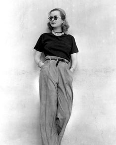 Это Joan Bennett, актриса немого кино и икона стиля 20-х годов. Этому фото - 90 лет, ни за что не скажешь, правда? Стиль без срока годности. # victorialunina #timeless