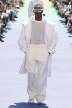 Louis Vuitton Spring 2019 Menswear Fashion Show Collection: See the complete Louis Vuitton Spring 2019 Menswear collection. Look 7