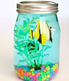 Jar Aquarium Craft for kids!Mason Jar Aquarium Craft for kids! Summer Crafts For Kids, Crafts For Kids To Make, Craft Activities For Kids, Kids Crafts, Art For Kids, Craft Projects, Kids Fun, Summer Activities, Craft Kids