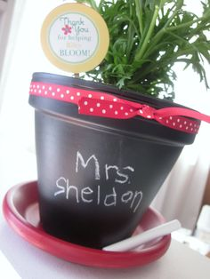 Making this for teacher appreciation week at school. Such a cute and inexpensive gift!