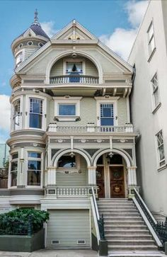 The William MCCormick Queen Anne built in: 1894 located at: 809 Pierce St, San Francisco, CA 94117 San Francisco Victorian Houses, San Francisco Houses, San Francisco Mansions, San Francisco Architecture, Townhouse Exterior, Bottle House, Moore House, Classic House Design, Victorian Style Homes