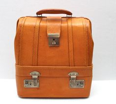 vintage leather two compartment case // camera // portable bar // overnight bag // lawn bowlers case