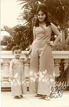 Amalia Fuentes with daughter Liezl in their identical outfit. Sampaguita, Philippine Women, Filipino Culture, Filipina Beauty, Filipiniana, Manila Philippines, Vintage Photos, Actors & Actresses, Elizabeth Ii