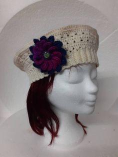 Gebroken witte dames hoed model matrozen hoedje €17,50 Nieuw in de collectie! De dames matrozen hoed in de kleur gebroken wit. Voor alternatieve kleding fans. Echt handwerk van Nederlandse bodem. Fans, Crochet Hats, Craft Work, Knitting Hats