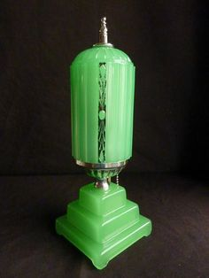 "ART DECO 1920's - 30's GREEN DEPRESSION GLASS ""SKYSCRAPER"" BOUDOIR LAMP"