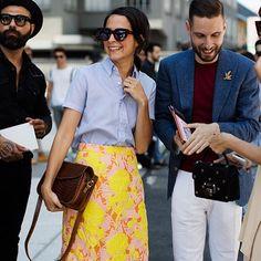 On the Street…Fashion Team, Milan (The Sartorialist) The Sartorialist, Sarah Harris, Fashion Couple, Famous Girls, Mode Vintage, Looks Vintage, Passion For Fashion, Dress Skirt, Spring Fashion