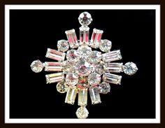 STUNNING! KRAMER of NEW YORK Silver-tone Prong Set Rhinestone Snowflake Brooch