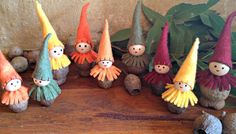 Tutorial for gumnut-gnomes, could do with walnuts Aussie Christmas, Noel Christmas, Handmade Christmas, Christmas Crafts, Christmas Ornaments, Christmas Figurines, Xmas, Holiday Crafts For Kids, Family Crafts