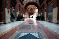 Hall near Piazza Maggiore by @just_jeanette