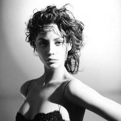 2017/01/03 11:43:00 gabishina Happy bday to the one and only @cturlington . My first and eternal crush. The pretiest woman alive. #supermodel #90'ssupermodel #christyturlington #christyturlingtonburns