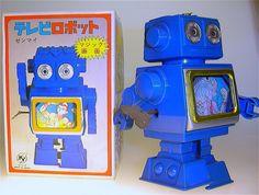 Vintage Tin Toy Windup Robot, via Flickr. Vintage Robots, Retro Robot, Space Toys, Deep Sea Fishing, Old Games, Tin Toys, Halloween 2018, Antique Toys, Arcade Games