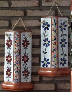 mosaico com decoupage - Pesquisa Google Mosaic Bottles, Mosaic Vase, Decoupage, Garden Projects, Projects To Try, Mosaic Madness, Concrete Art, Clay Flowers, Pots