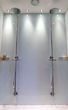 Shower area fitted with Easy Glass Splashbacks white back shower wall panel and Easy Glass Splashbacks white side shower wall panels Wooden Bathroom, Glass Bathroom, Glass Shower, Pool Bathroom, Bathroom Interior, Bathroom Ideas, Shower Wall Panels, Shower Doors, Master Bathroom Shower