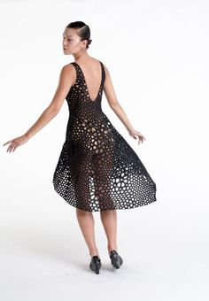 Kinematics Dress generated by Nervous System Studio using Technology. Their printing system for generating complex, foldable forms. Fair Trade Fashion, 3d Fashion, Ethical Fashion, Style Fashion, 3d Printed Dress, Mode 3d, 3d Prints, Sustainable Fashion, Dress Making
